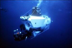 alvin_underwater_back_en_s_44010